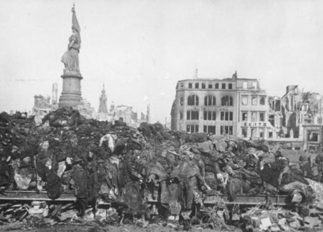 Dresden kremering februari 1945
